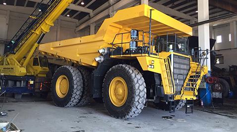 Demir Export, 29 yaşındaki dev kaya kamyonlarını yine Komatsu'larla yeniledi