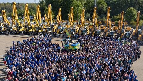 Liebherr, 75.000'inci ekskavatörünü kutladı