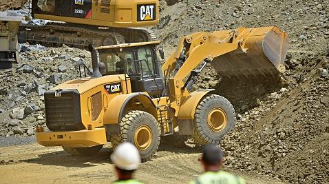 Darbeye karşı siper olan iş makinelerinin satışları yüzde 25 azaldı