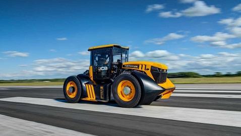 En hızlı traktör JCB Fastrac