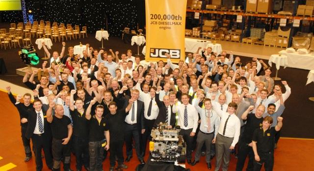 İş Makinası - Rekor sahibi JCB Dieselmax motorlar 200 bini gördü