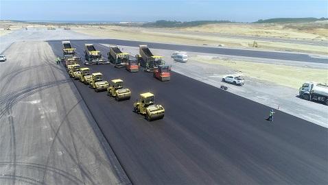 İş Makinası - İstanbul Havalimanı'nın 3. pist çalışmaları tüm hızıyla sürüyor
