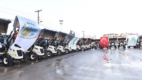 BASKİ makine parkına 25 adet HİDROMEK kazıcı yükleyici daha katıldı