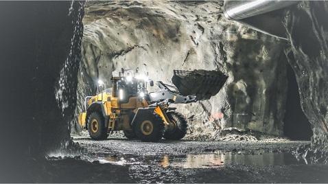 Volvo yükleyici uzaktan kumanda ile yeraltında çalıştı