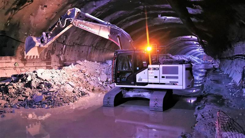 İş Makinası - Türkcan Yapı, metro çalışmalarını HMK 230 LC ile gerçekleştiriyor