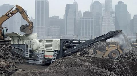 15 aydır daralan inşaat sektörü yeni yatırımlara temkinli yaklaşıyor