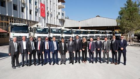 Mercedes-Benz Türk'ten Denizli'ye 125 adet Arocs inşaat aracı teslimatı