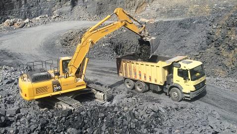 Şehirlerin ve madenlerin yeni ekskavatörü Komatsu PC390LC 8