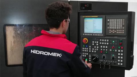 İş Makinası - HİDROMEK, mesleki eğitimdeki başarısıyla Avrupa'da bir ilke imza attı